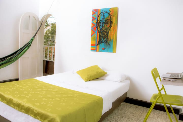 Foto Habitación Privada con Balcón y Hamaca baño compartido