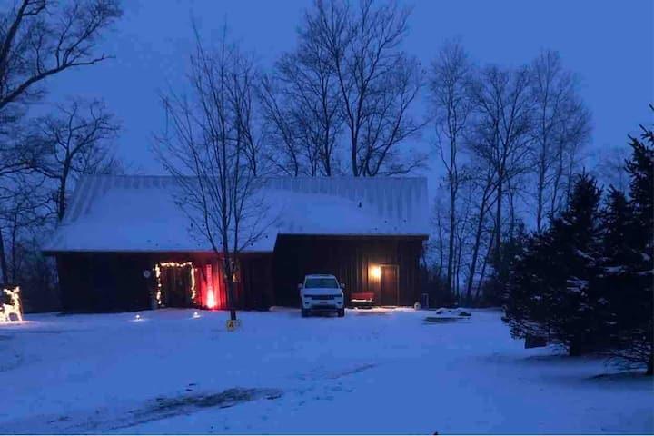 Rustic Reclaimed Barn House near WI Dells