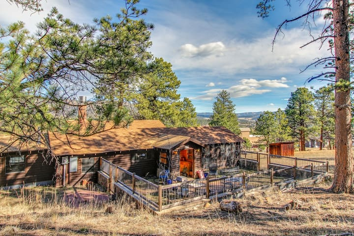 Historic mountain home w/ 180° views, fenced patio, & wraparound deck