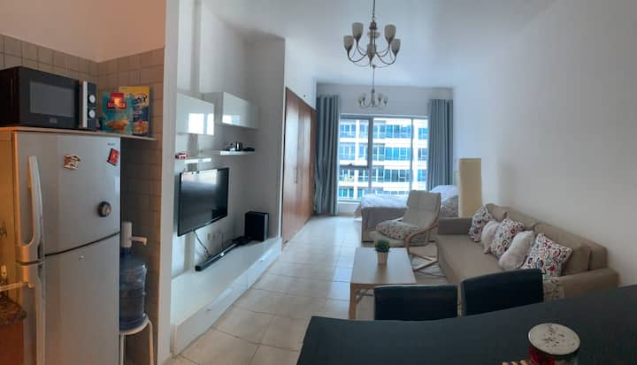 Studio apt available for monthly rent at skycourts