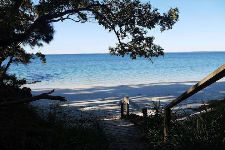 Orion Beach Hideaway - Vincentia - บ้าน