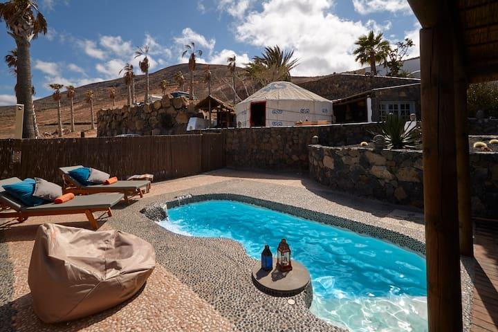 Palacio Yurt bedroom + 1 bedroom, Beach, Priv Pool