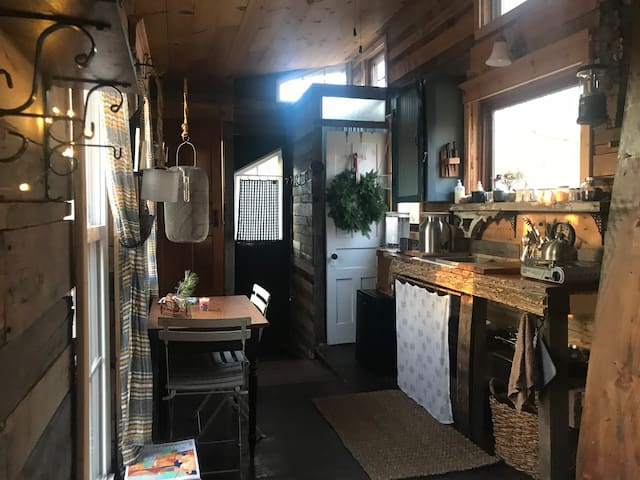 Wanderers Tiny House Cabin Retreat