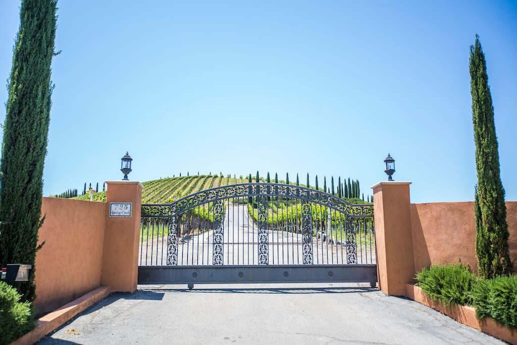 Welcome to Aterno, a 33 acre working wine vineyard and luxurious vacation rental property featuring a Tuscan Villa and separate Guest House.