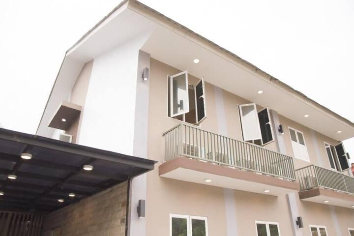 Comfy 1BR in Guest House near Setiabudi Kuningan