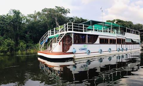 Flutuante e Catamarã em Manaus