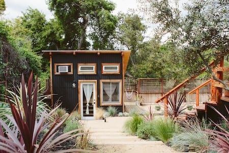 The Topanga Bungalows: The Tiny House