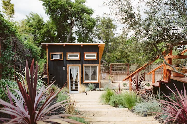The Topanga Bungalows: The Tiny House