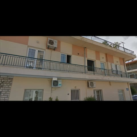 Rooms to rent in Chalkida, Evia island