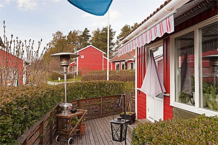 Apartment with terrace near sea and nature - Åkersberga - Apartemen