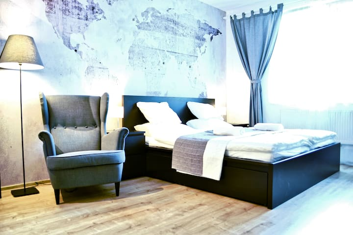 LUXURY and MODERN apartment - 10 min CITY CENTER