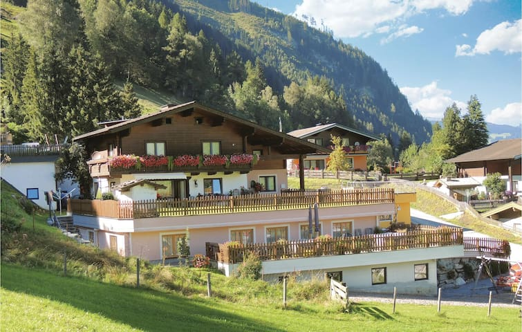 Holiday apartment with 1 bedroom on 38 m² in Rauris