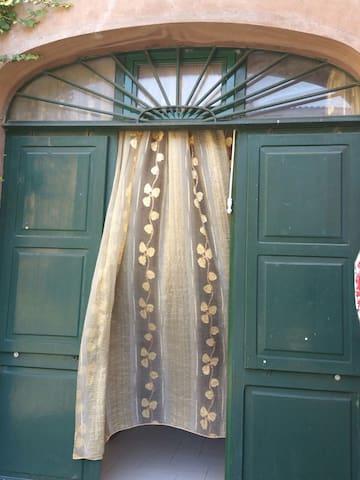 confortevole bilocale su Piazza del Duomo - Tuscania - Apartment