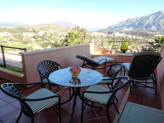Spacious 2 Bedroom in Magna Marbella
