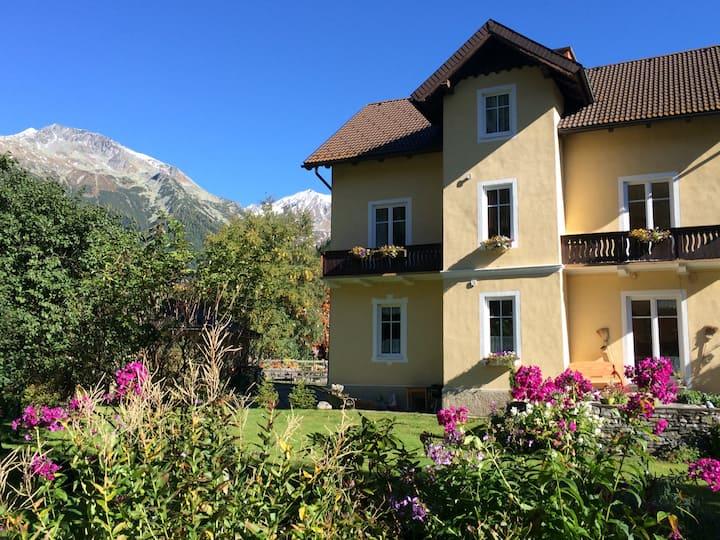 Ferienwohnung in der Villa Talheim