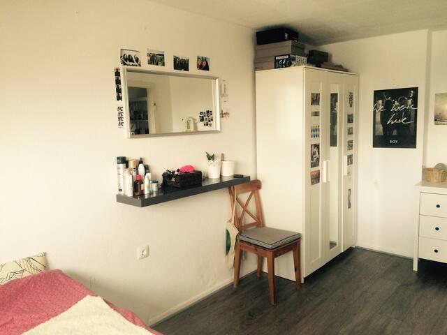 Ein-Zimmer-Wohnung - Bonn - Pis