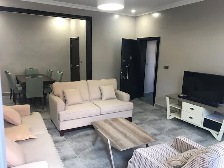 Maz Apartments IV-Brand New, Urban & Spacious