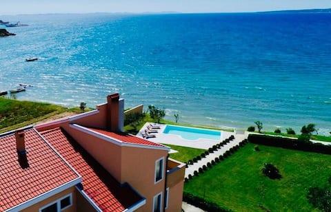 """Appartement """"Vesna"""" au bord de la mer #1"""