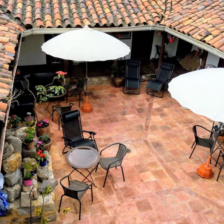 Vieja Aduana, casa colonial, alojamiento económico