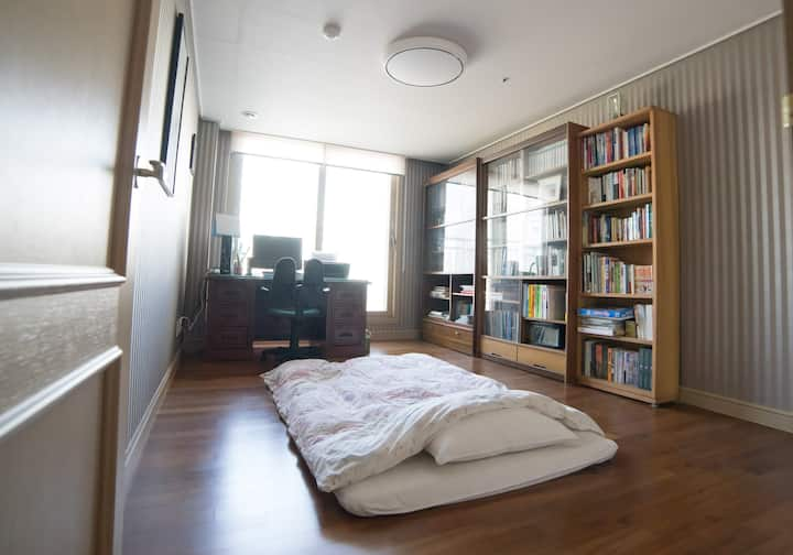 Private Room, 2 min from Station