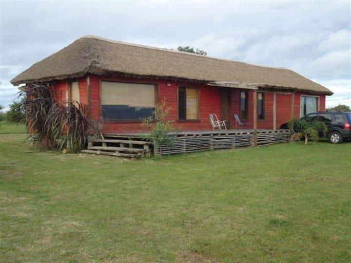 Casa de campo con vista al Río  Colonia Uruguay