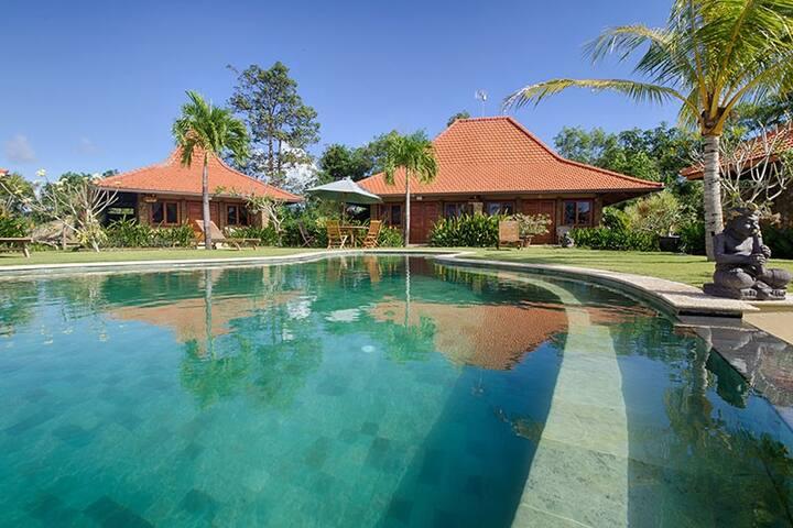 3M Villas