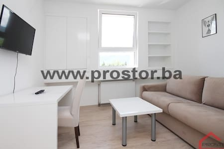 Apartment for solo advent.and business travelers - Ilidža