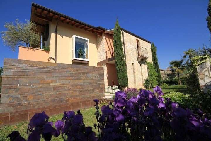 VILLA DELL'OLIVO BIANCO - Costermano sul Garda - Castion Veronese