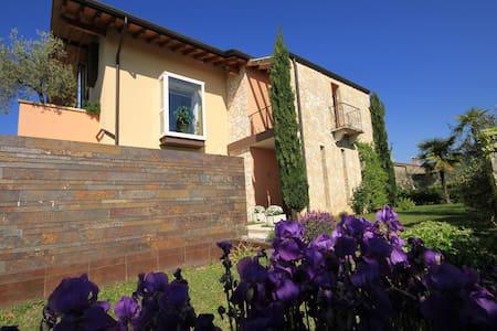 VILLA DELL'OLIVO BIANCO - Costermano sul Garda - Castion Veronese - Huis