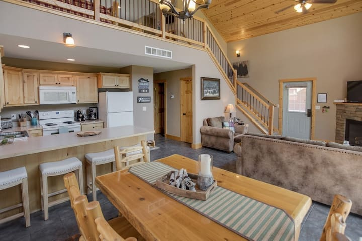Leech Lake Cabin/Go Shopping During the Day, Fishing in the Evening then Make it a Family Game Night!!