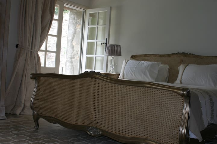 Luxurious B&B near Carcassonne