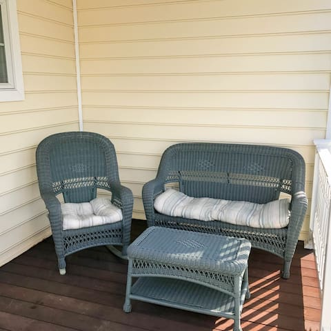 Relaxing Front Porch with Seating!
