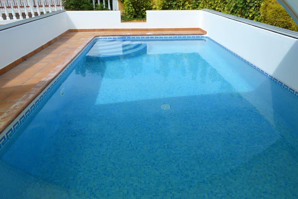 Villa primavera piscina agua salada 25 c casas en - Piscina villa primavera udine prezzi ...