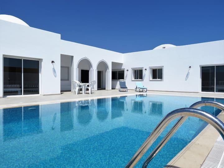 "Villa""DAR HILAL"" piscine100% sans vis à vis Djerba"