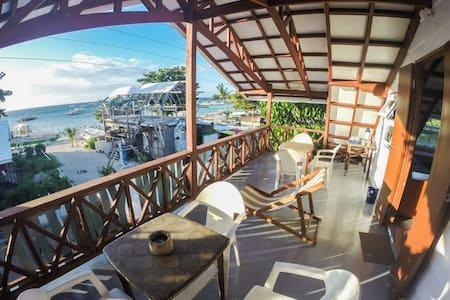 Dorm beds on Malapascua Island - Dormitori compartit