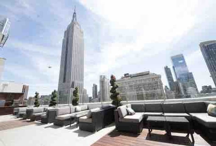 LARGE Luxury Private Room 5 mins from Times Sq