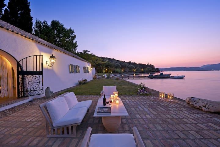 Waterfront Villa in Agia Pelagia, Corfu - Corfu - Villa