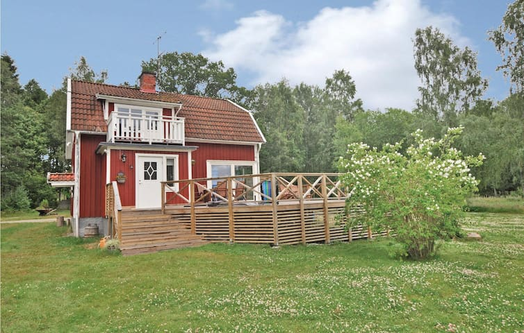 Holiday cottage with 2 bedrooms on 141 m² in Torsö