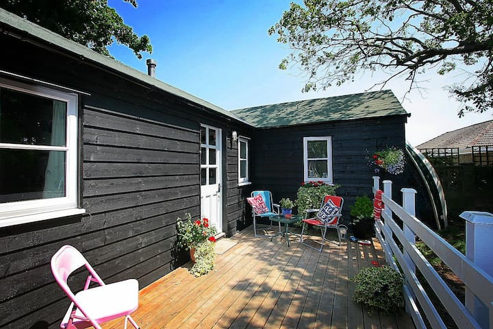 Stylish self contained annexe in Selsey