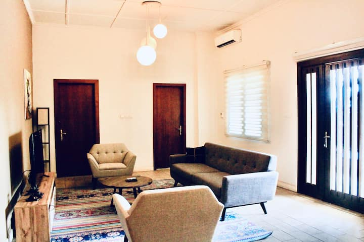 Luxury getaway in Kinshasa (Dekalb Private Room)