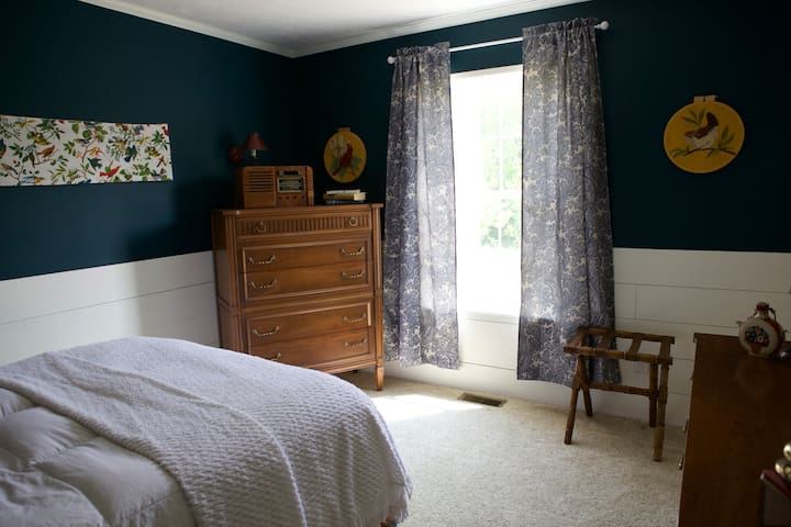 Peaceful & Cozy Lodging in Charlevoix
