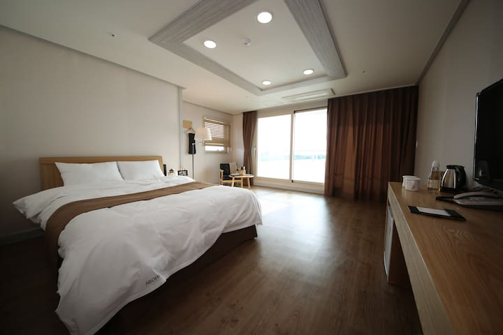 """Hotel AROHA"" Deluxe Room (SEA-VIEW ROOM)"