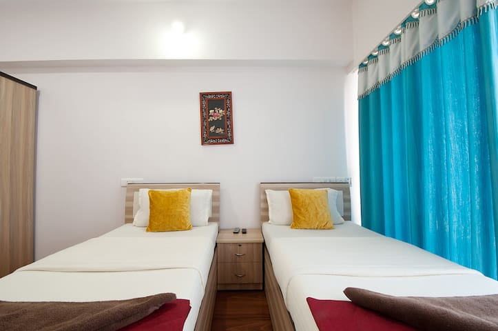 3 Furnished Apartment 3BHK with Balcony