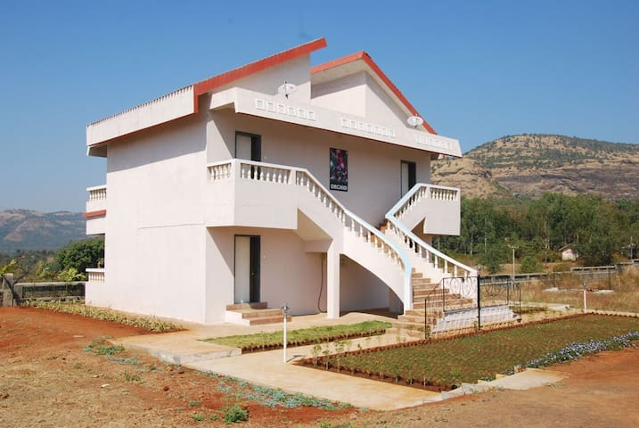 """Orchid"" country side bungalow stay - Kamshet - Domek parterowy"