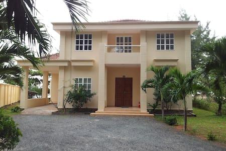 Villa Havana, River Ray Estates - Appartement