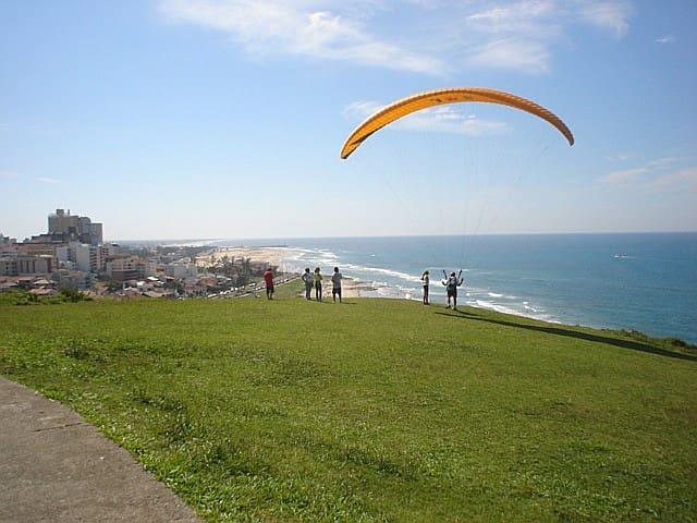 Casa p/ 6 pessoas c/pátio na Praia de Torres - RS