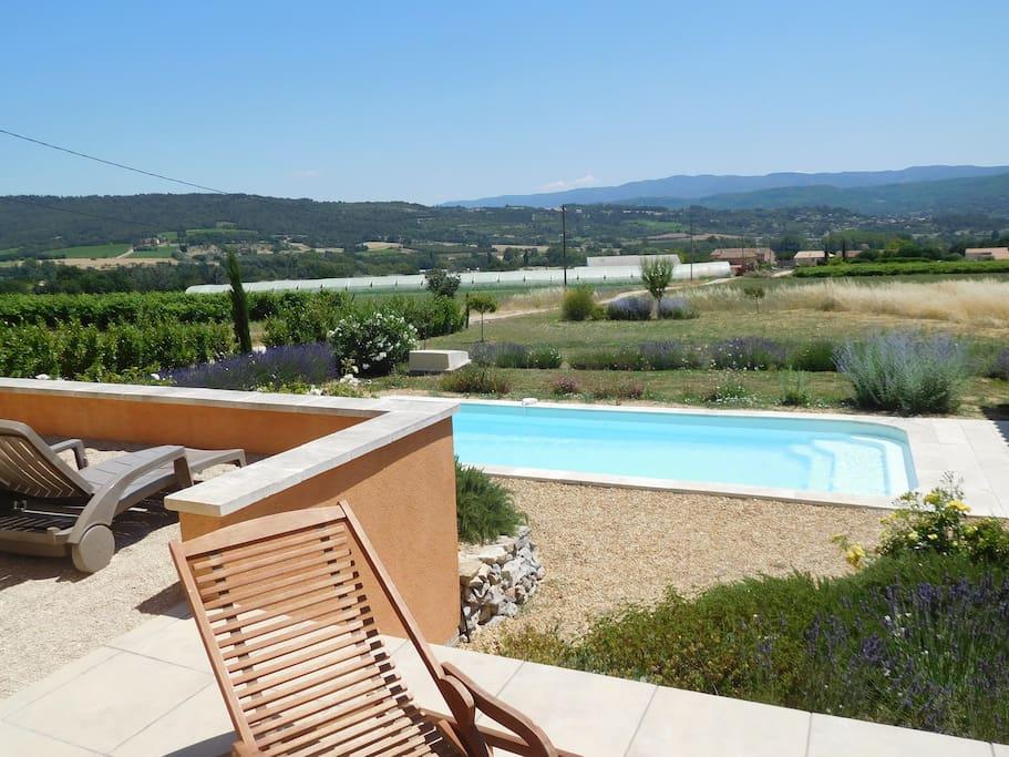 Maison de charme piscine priv e vue luberon villas for Location villa piscine luberon