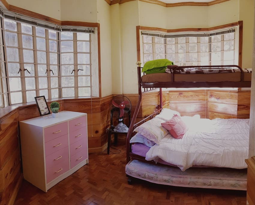 'Explore New Roads' Room, with double bed (queen 1st level, single 2nd level)