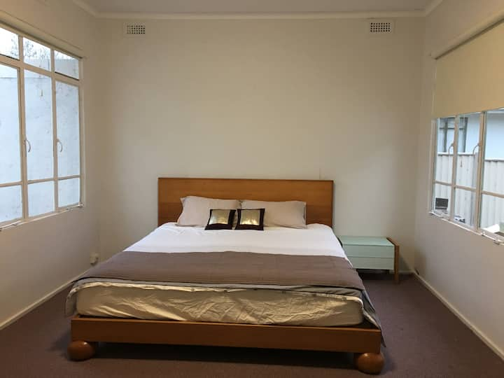 King size room - Close to everything