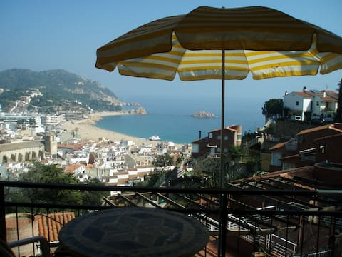 COZY , WITH THE WEST VIEW OVER TOSSA DE MAR.